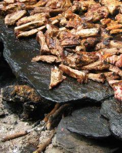 Carne arrostita sulla pietra