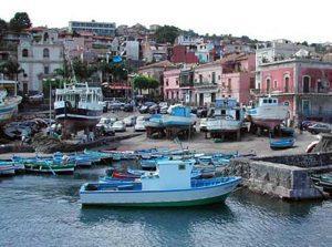 Il porto di Acitrezza