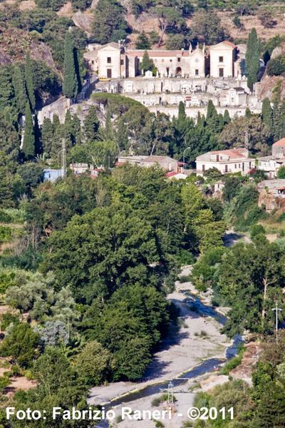 Panorama sul cimitero monumentale di Francavilla di Sicilia (ME)