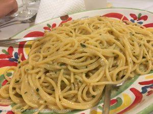 "Spaghetti al ""riso"" (risottati) di torpedine"