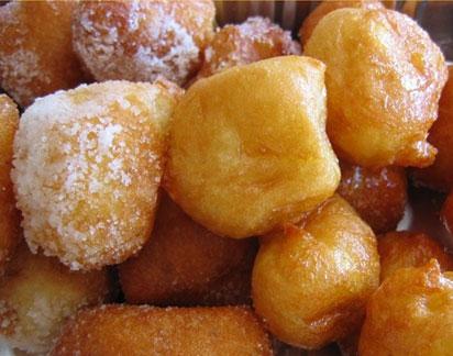 Cuzzoli di pasta fritta dolci foto: Vincenzo Raneri